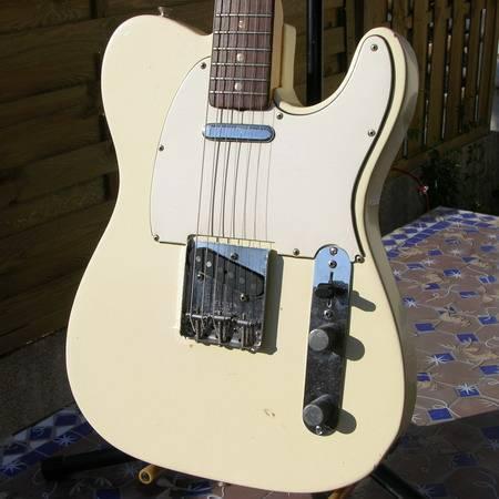 Fender_Telecaster_258320_01.jpg